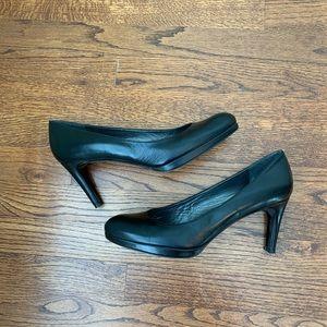 "Stuart Weitzman 11-1/2 black leather 2-1/2"" heels"